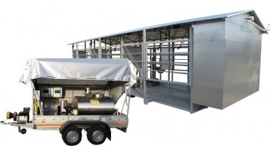 Mobile milking to cooling tank